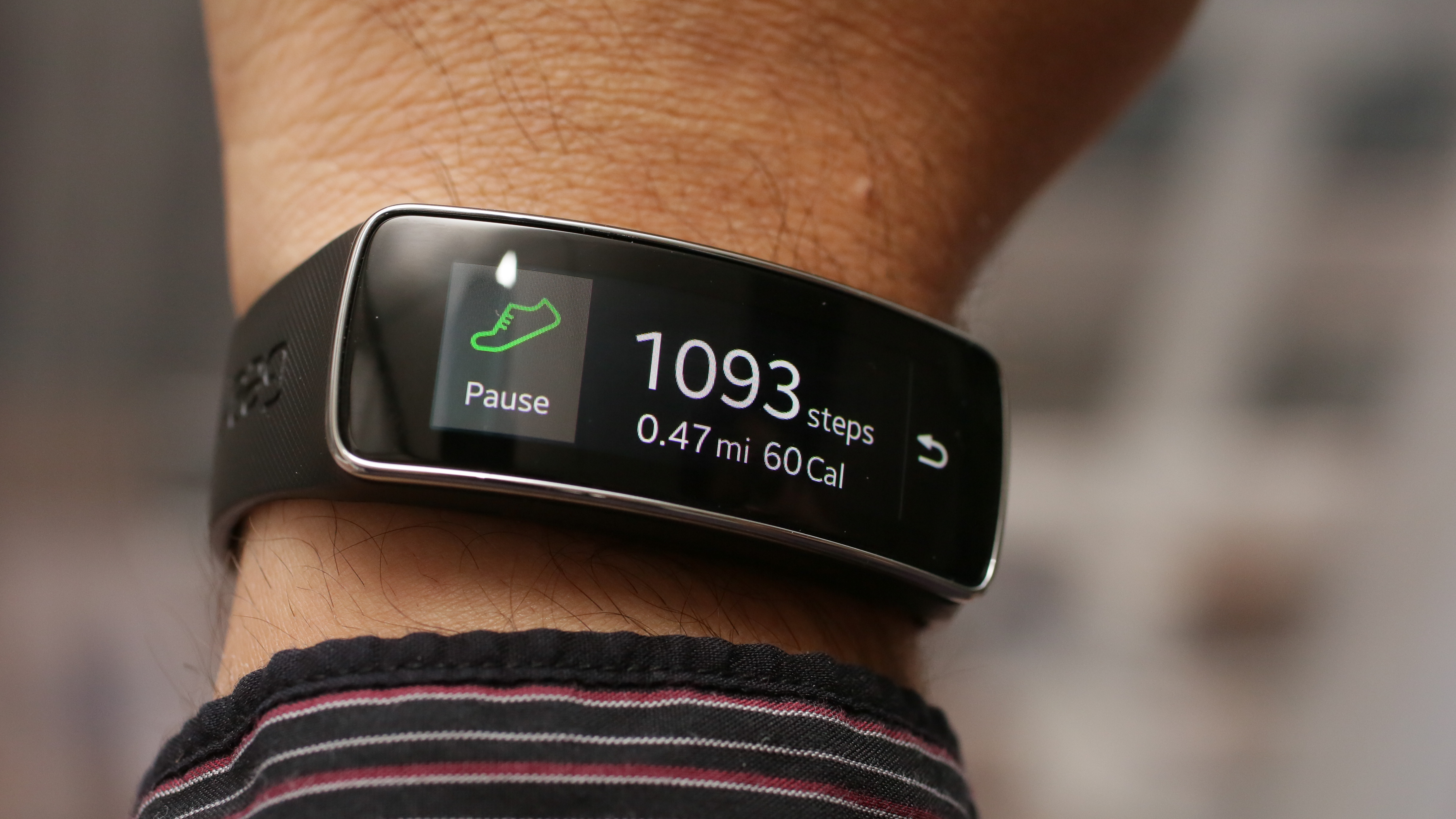 samsung-galaxy-gear-fit-product-photos-26.jpg