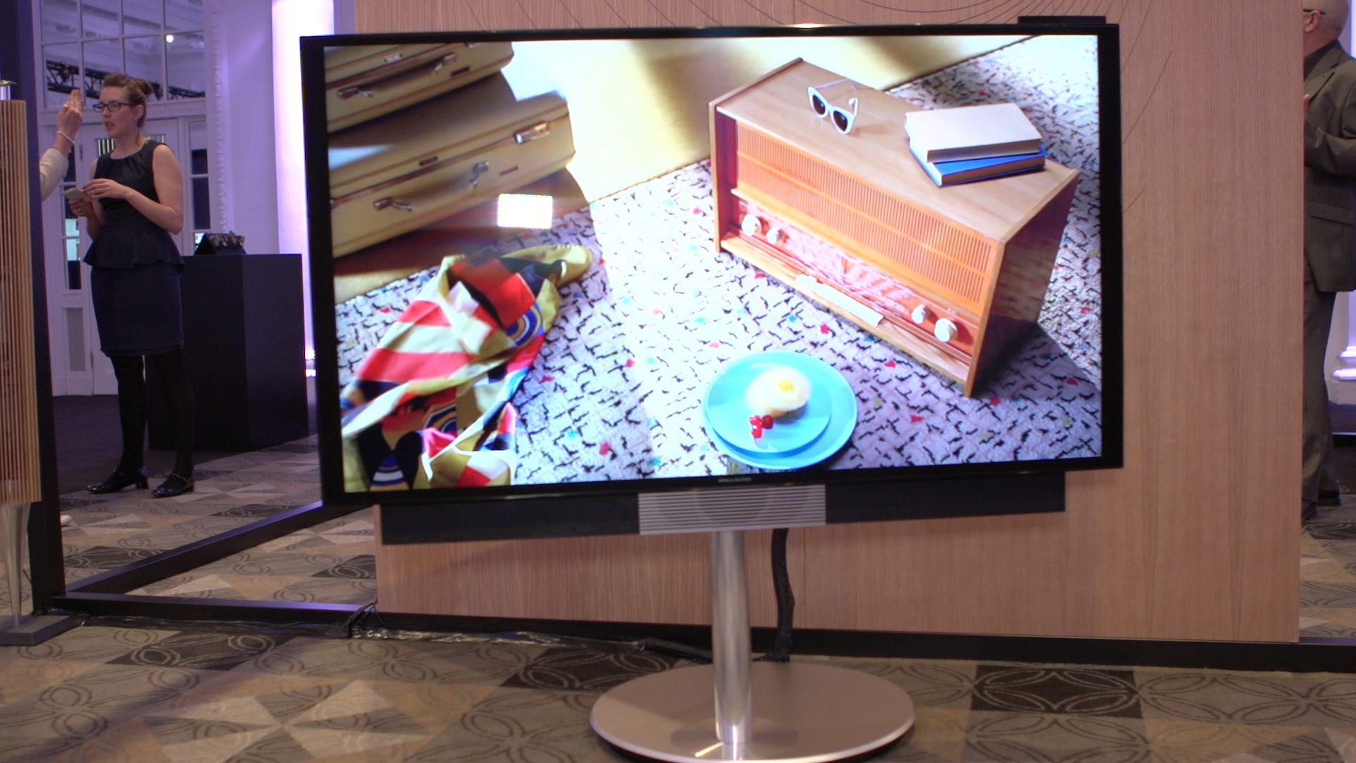 Video: Bang and Olufsen BeoVision Avant provides motorised stand, 4K resolution for a high price
