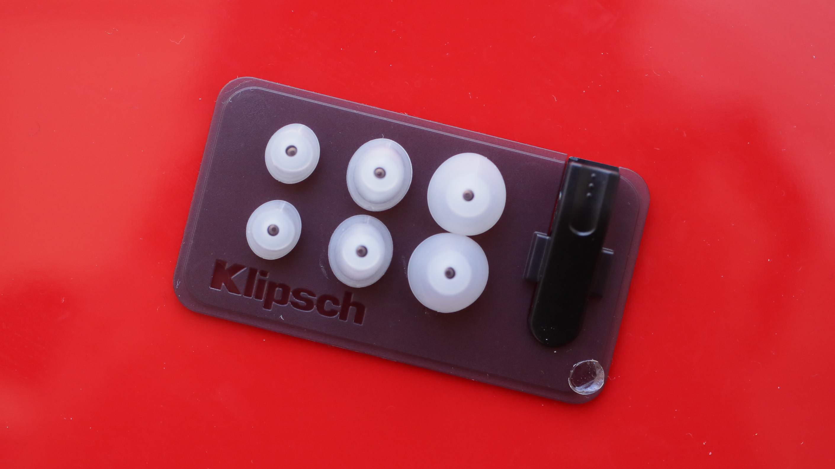 klipschr6i-in-ear-headphones-product-photos05.jpg