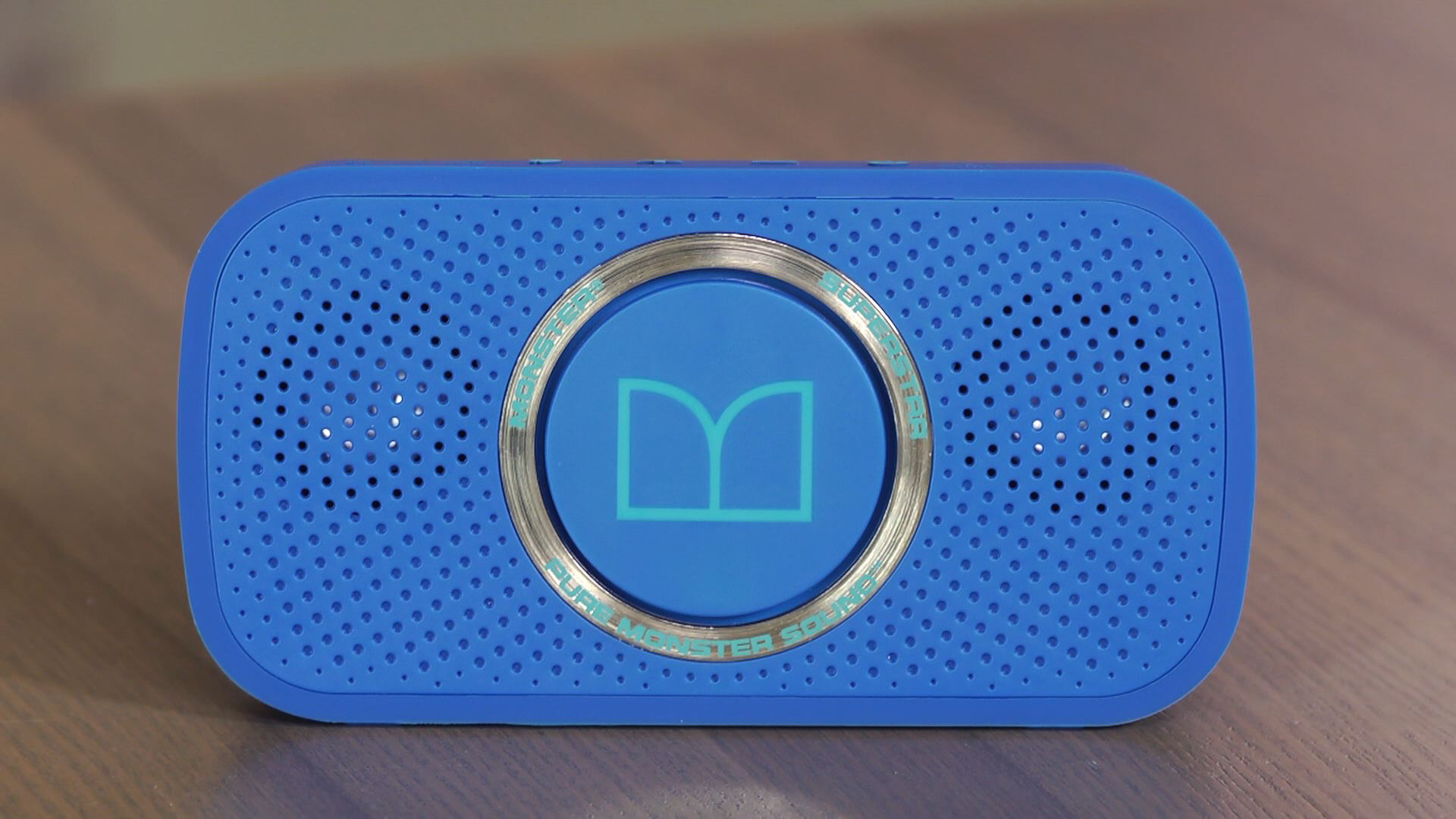 Video: Monster Superstar: Mini Bluetooth speaker with audiophile aspirations