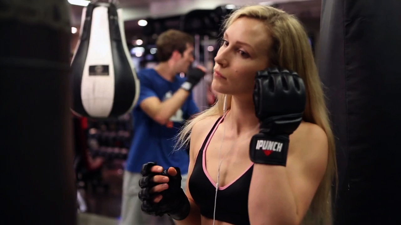 Video: Step into the ring with smart punching gloves, Ep. 164