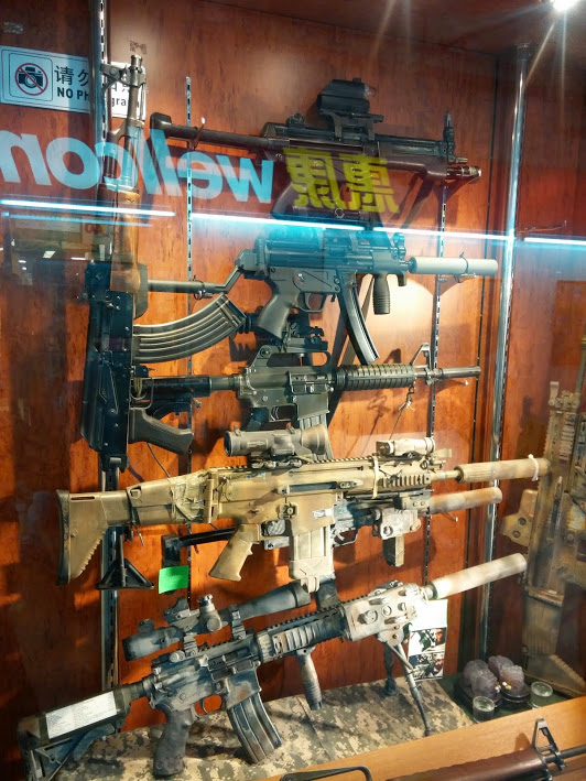Incredibly detailed gun replicas for the serious enthusiast at Kwong Wa Street