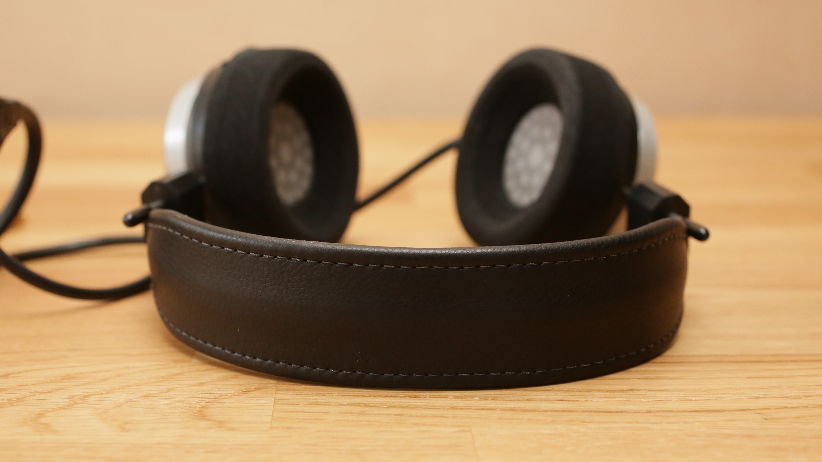 grado-sr-325e-headphones-product-photos01.jpg