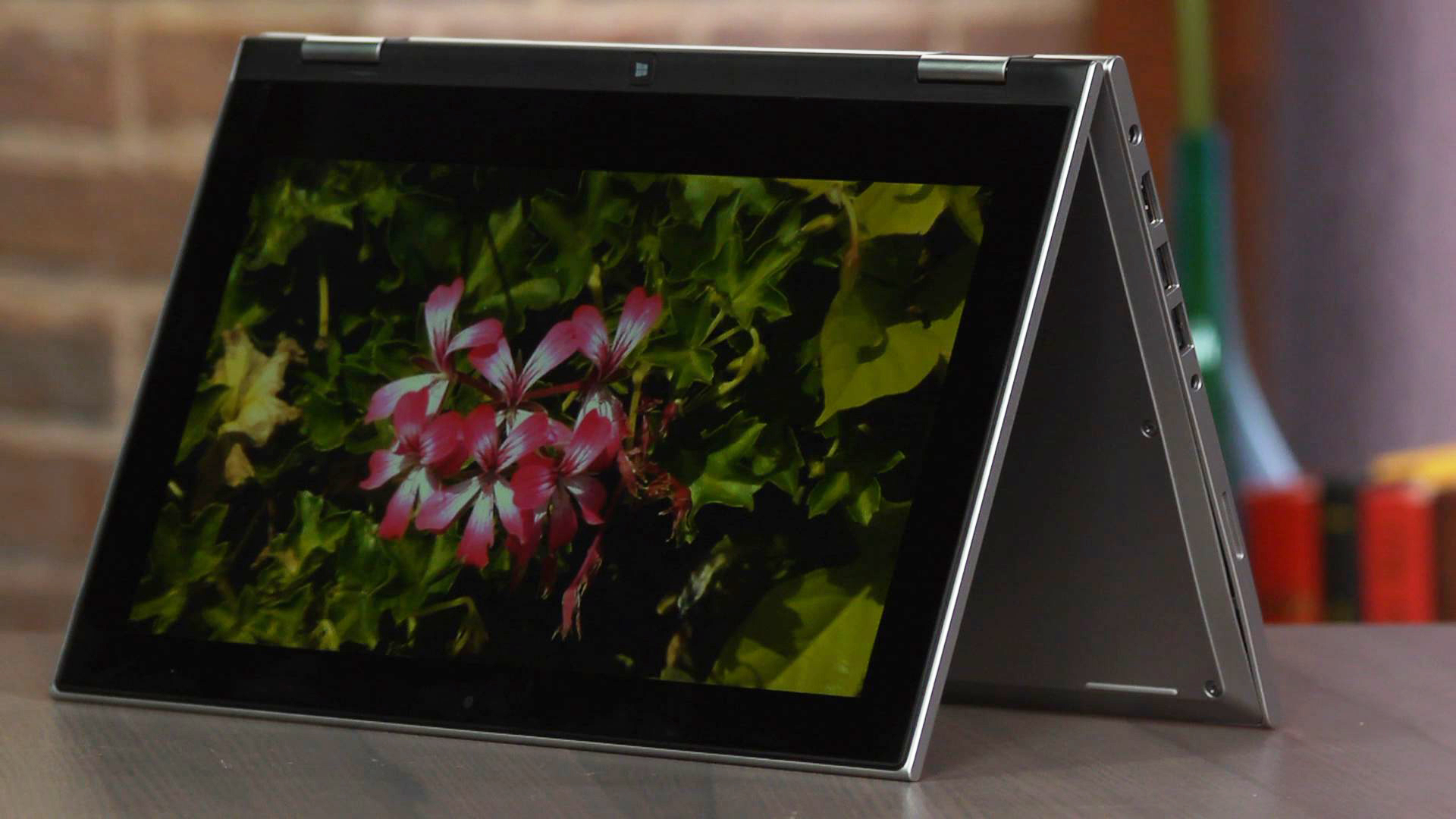 Video: Dell's Inspiron 11 3000 gives budget buyers something to flip for