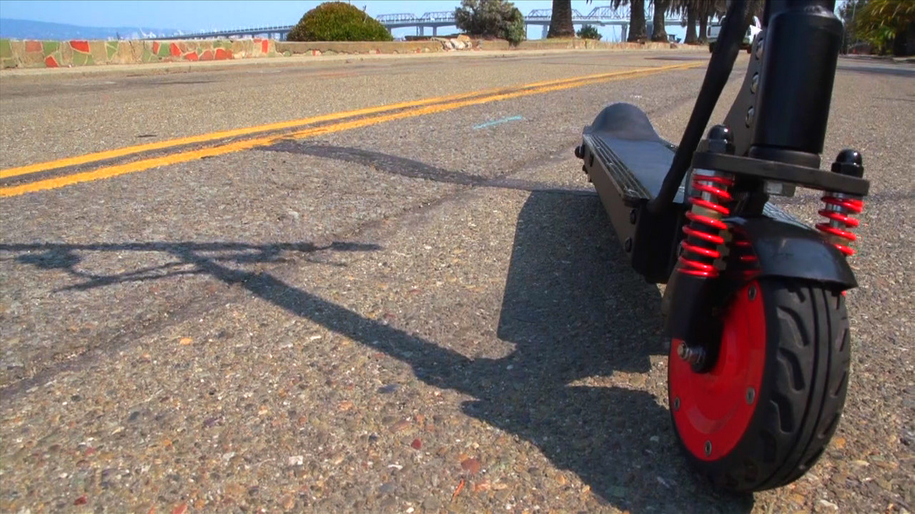 Video: M3 E-Scooter: Folding electric transportation