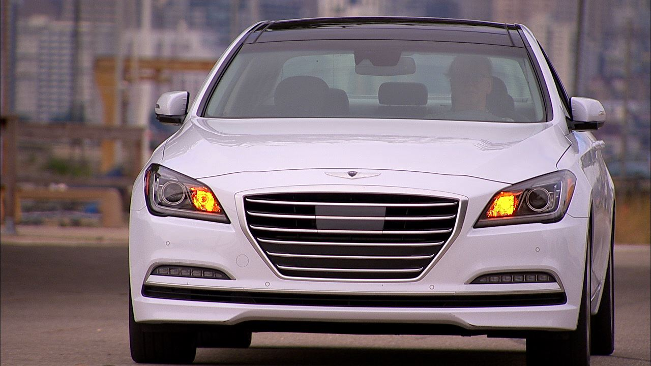 Video: 2015 Hyundai Genesis 5.0 (CNET On Cars, Episode 48)