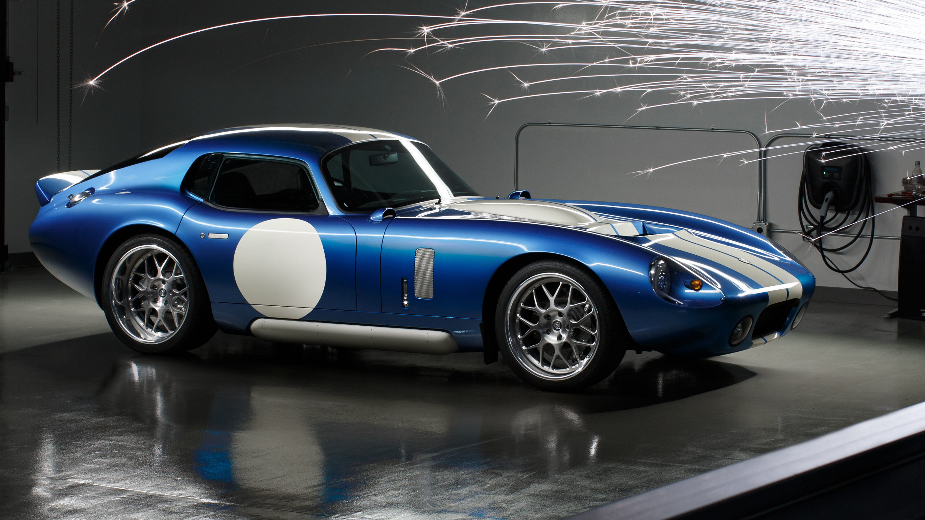 Video: Renovo Coupe: America's first electric supercar