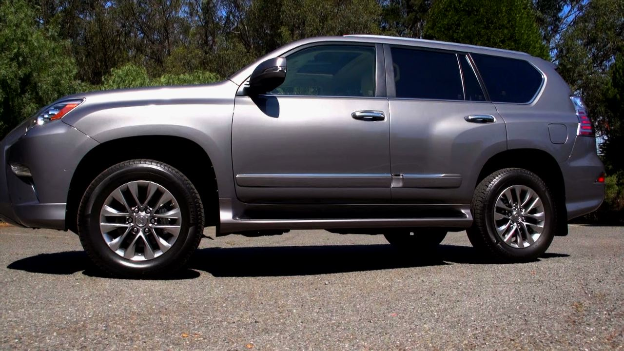 Video: The gigantic Lexus GX 460