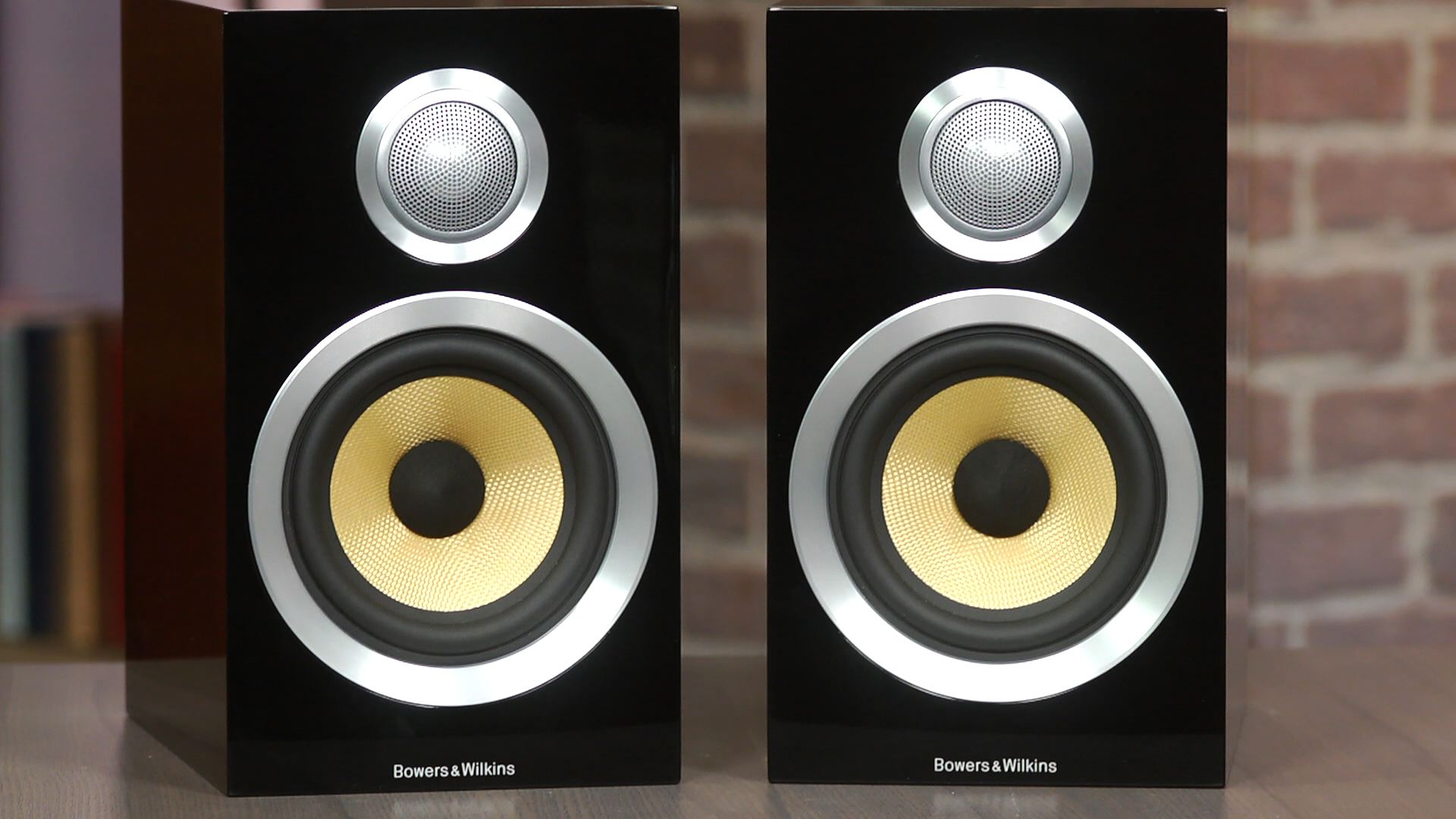 Video: The Bowers and Wilkins CM1 speakers look great