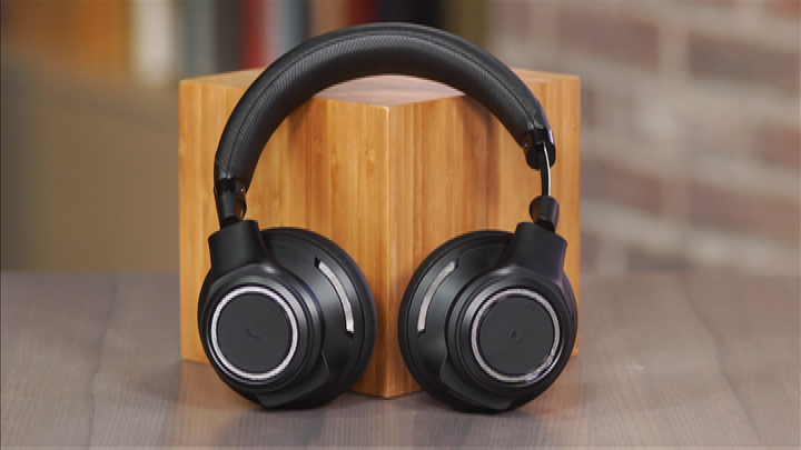Video: Plantronics BackBeat Pro: A full-size wireless Bluetooth headphone with an office slant