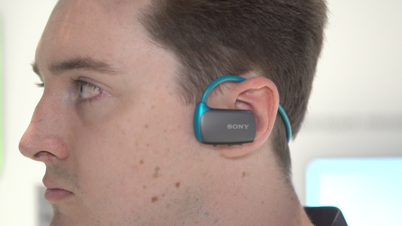 Video: Sony's new Walkman MP3 headphones add Bluetooth (hands-on)