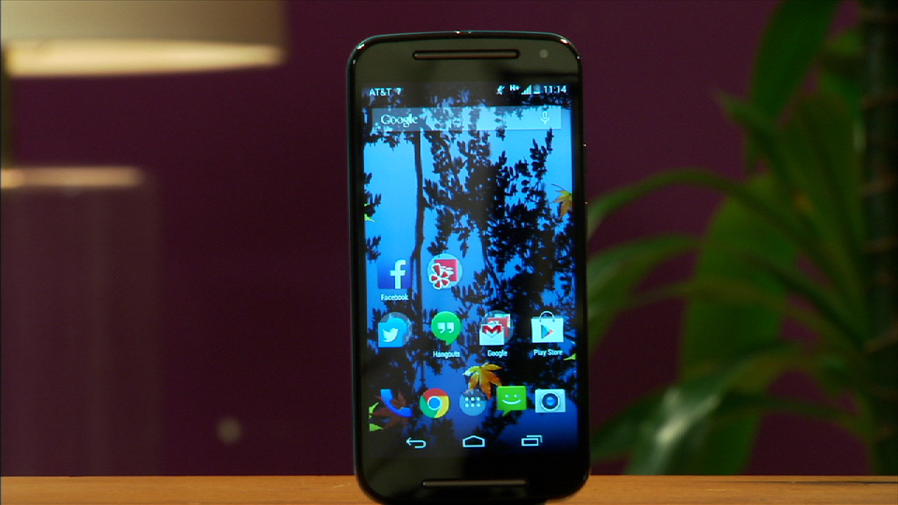 Video: 5-inch Moto G fits your budget and your hand