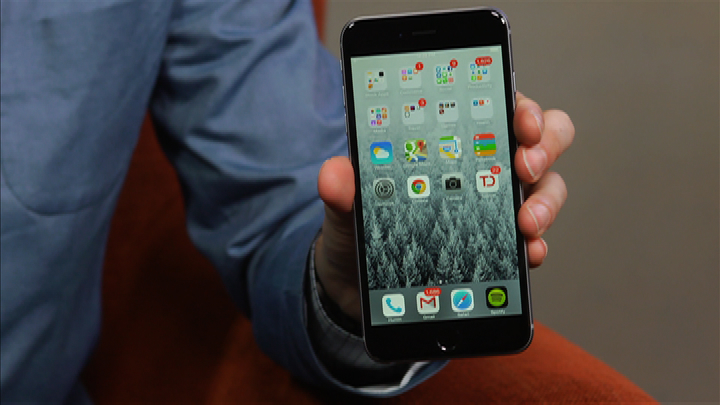 Video: Apple's iPhone 6 Plus is big, bright, and beautiful