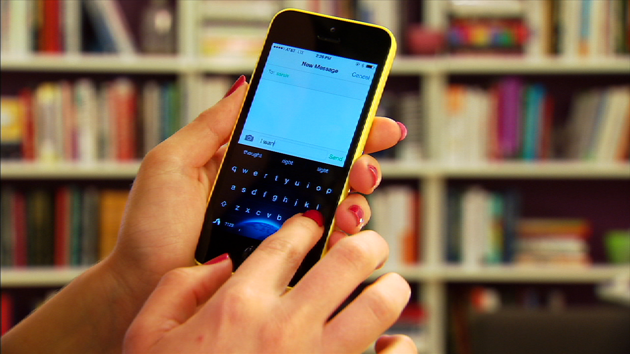 Video: Swap your iOS 8 keyboard for these apps
