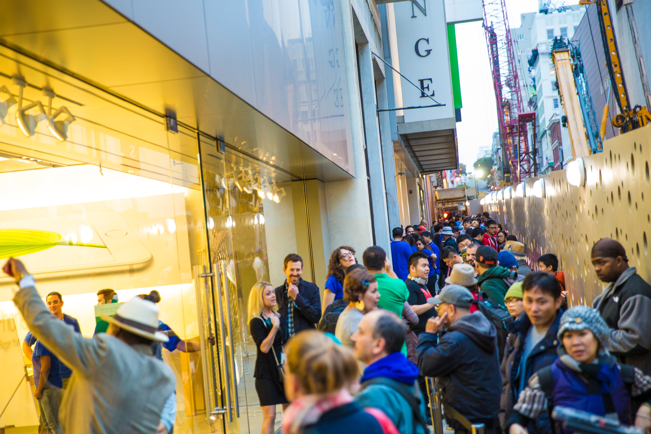 iphone6-line-apple-store-7248.jpg