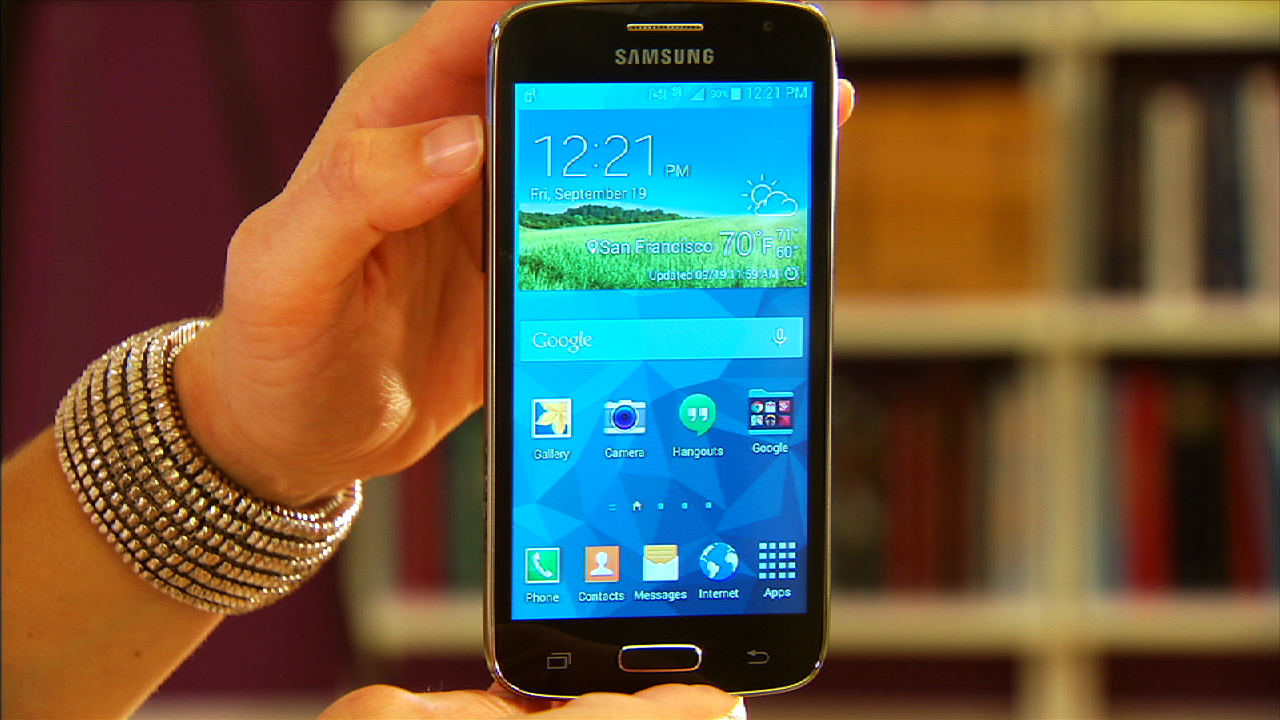 Video: Compact, budget Samsung Galaxy Avant rocks Android 4.4