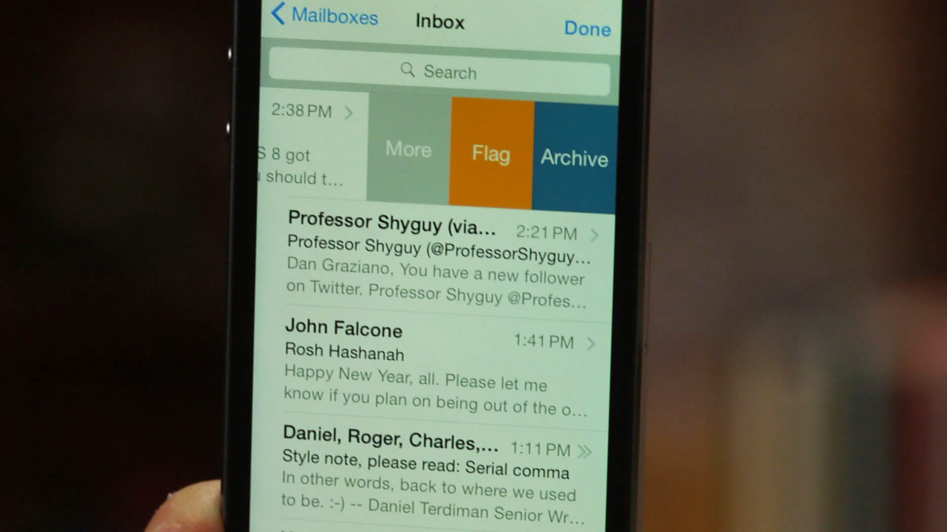 Video: Getting to know the updated Mail app in iOS 8