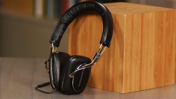 Video: Bowers and Wilkins P5 Series 2 headphone: Same winning design but now with better sound