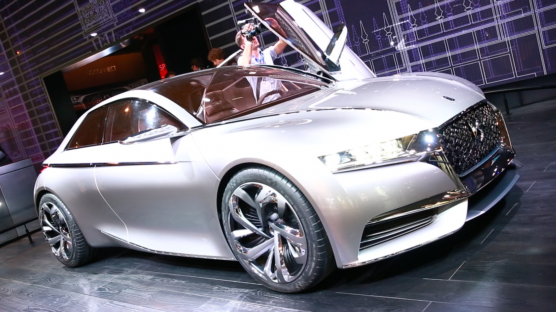 Video: A tour of the best concept cars at the 2014 Paris International Auto Show