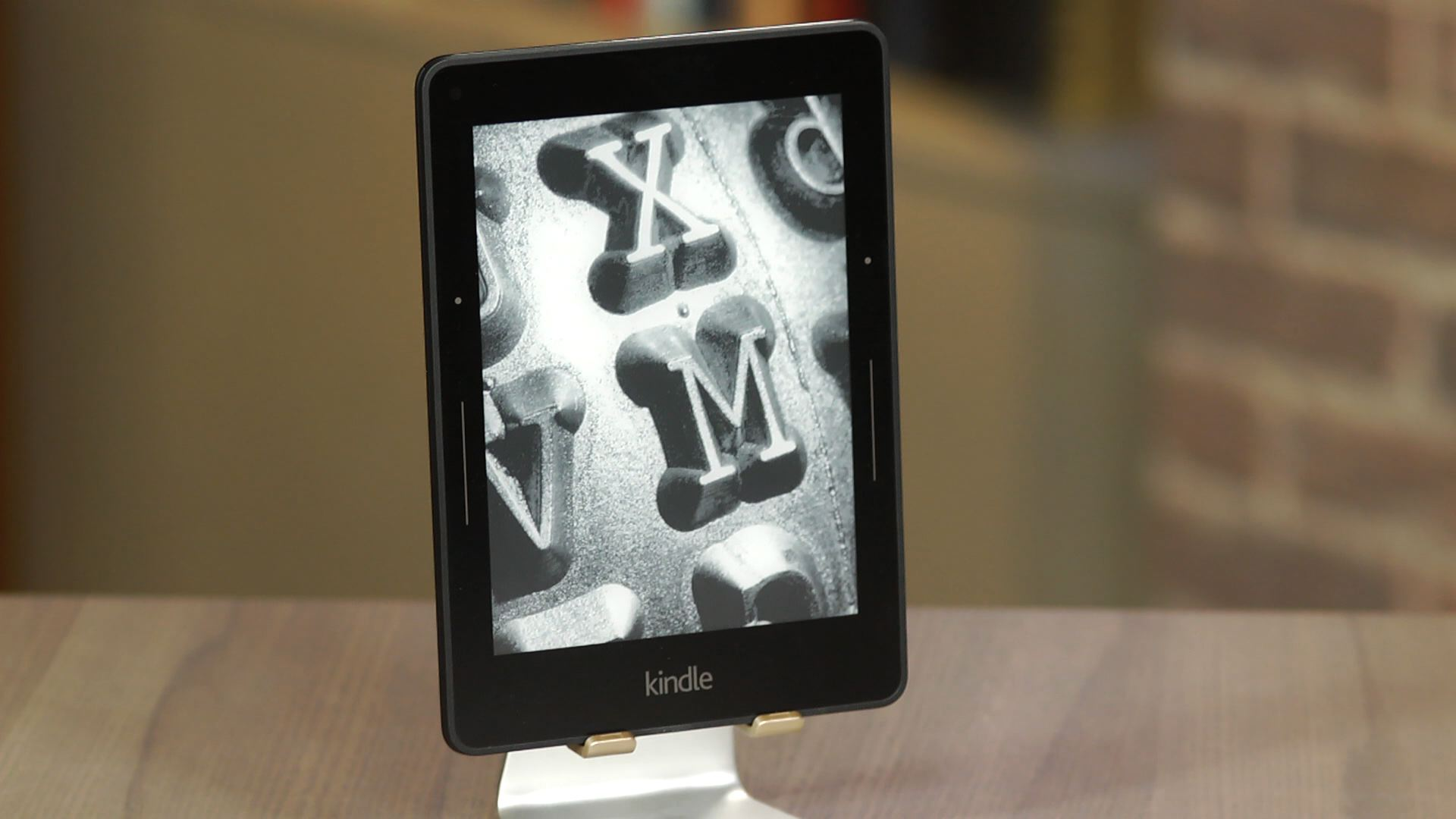 Video: Kindle Voyage: Amazon's best e-reader yet