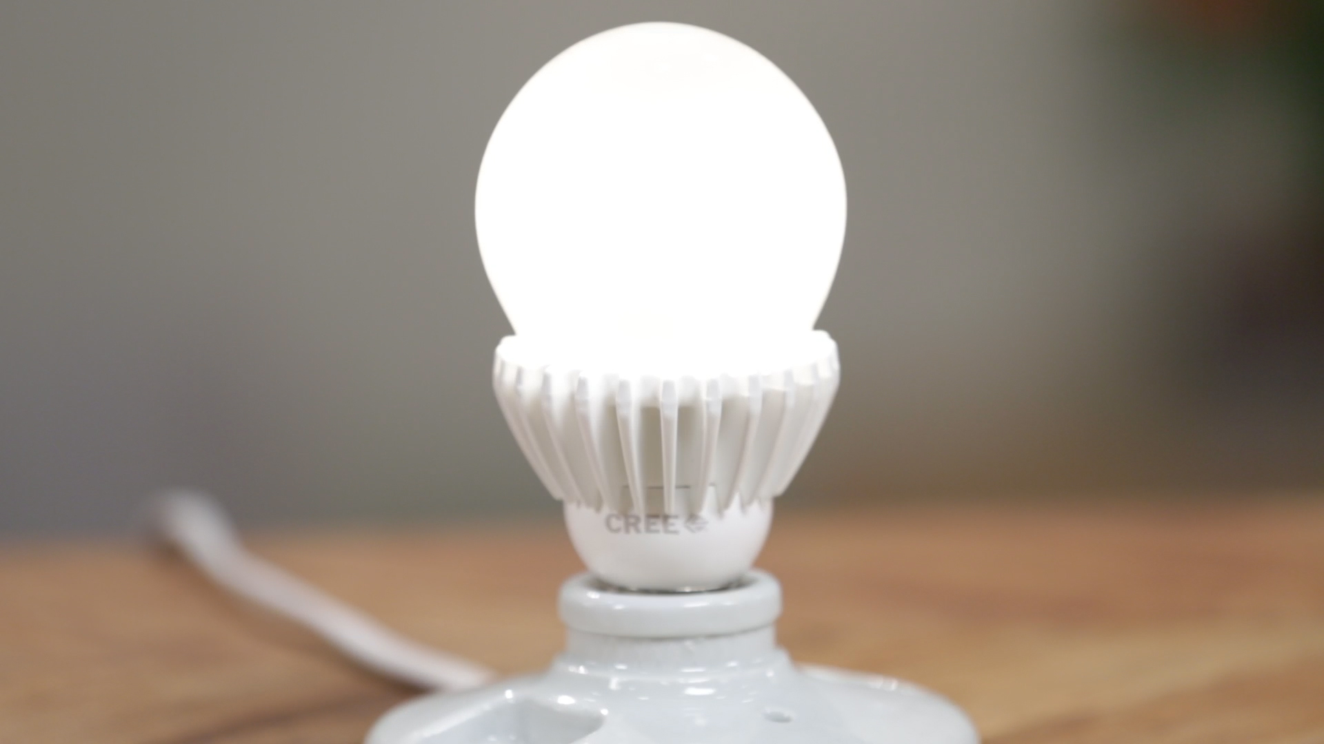 Video: Cree continues to shine with its 100W Replacement LED