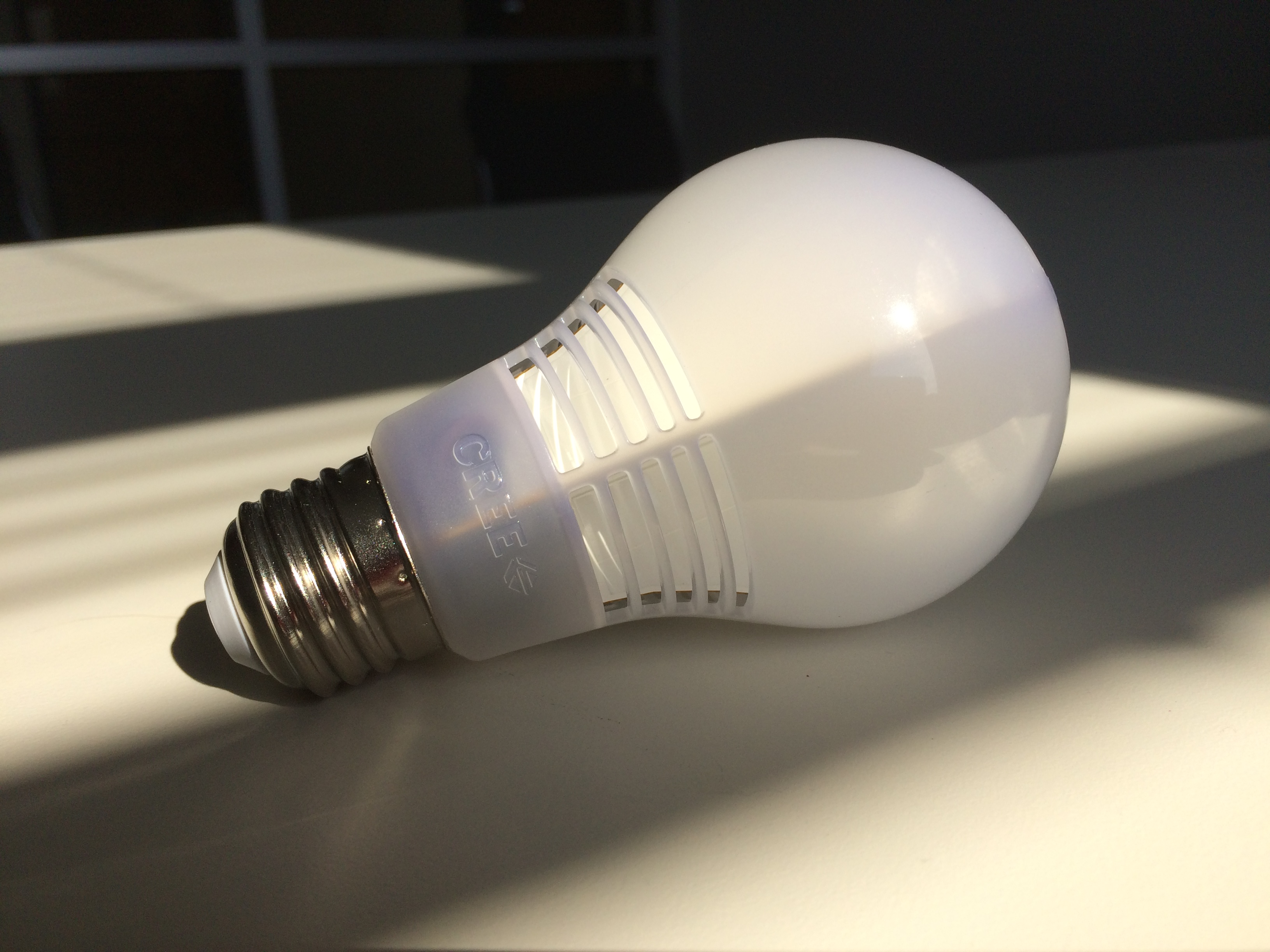 Crave giveaway 12 cree led light bulbs with incandescent style cnet Led light bulbs cost