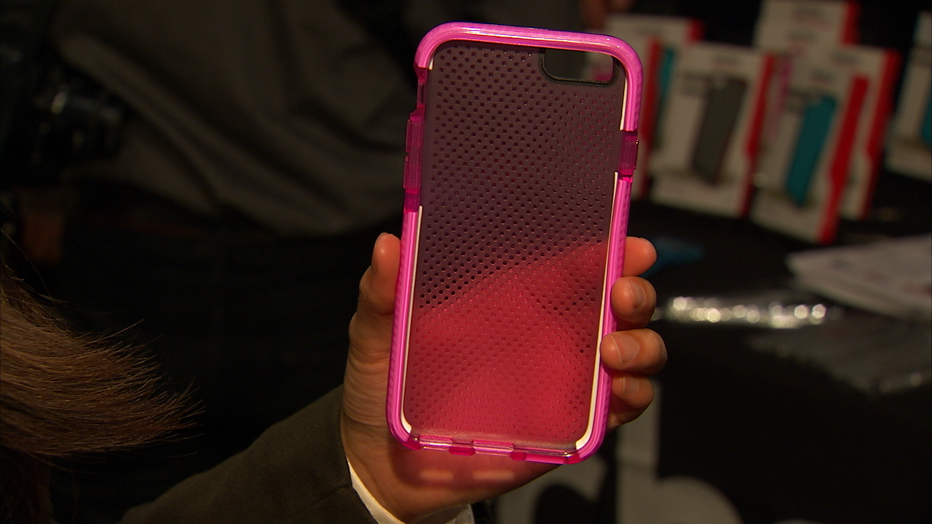 Video: Tech21's Evo Mesh case protects your iPhone 6 from bumps and falls