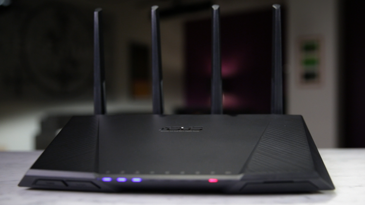 Video: The Asus RT-AC87U Wi-Fi router is a great gift for anyone