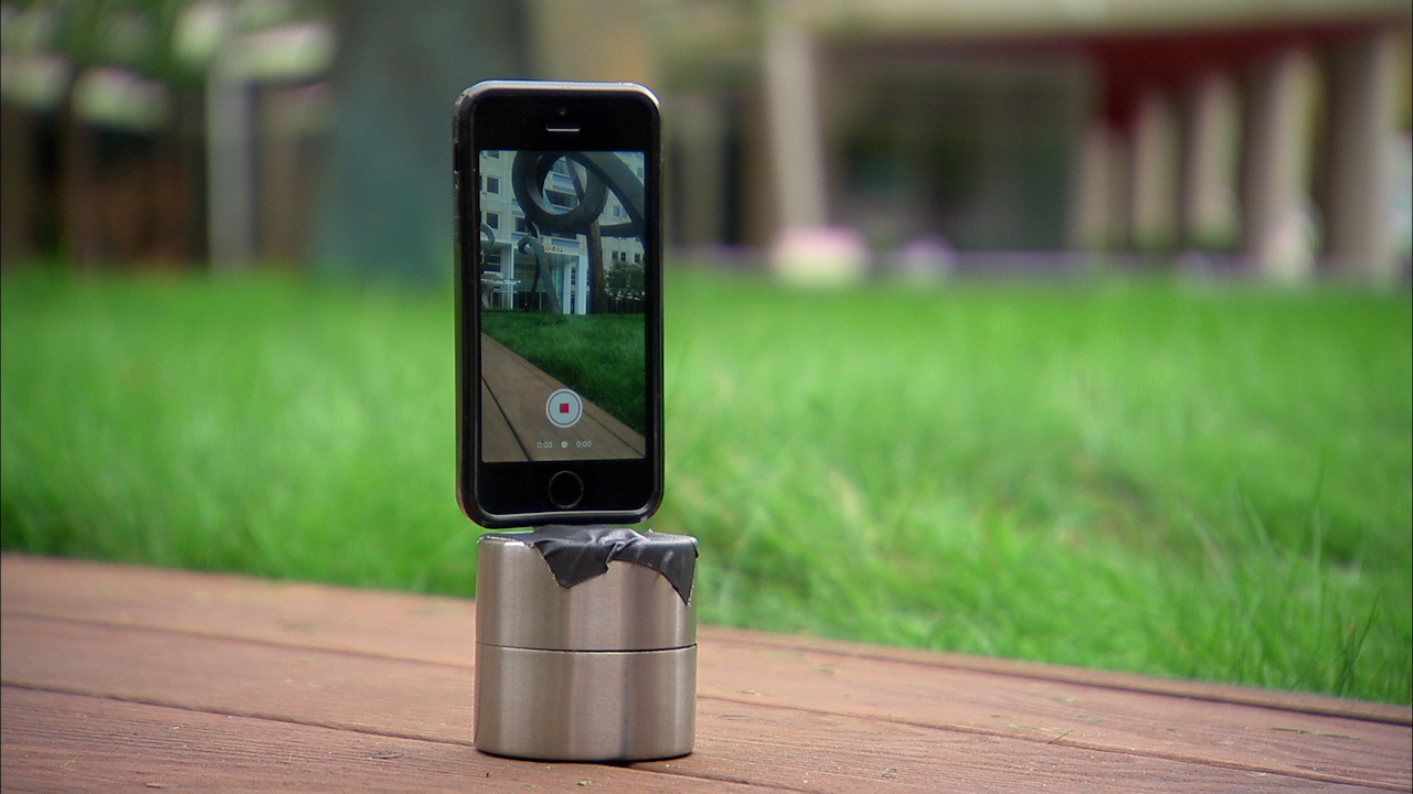Video: Shoot a 360-degree time lapse with your phone