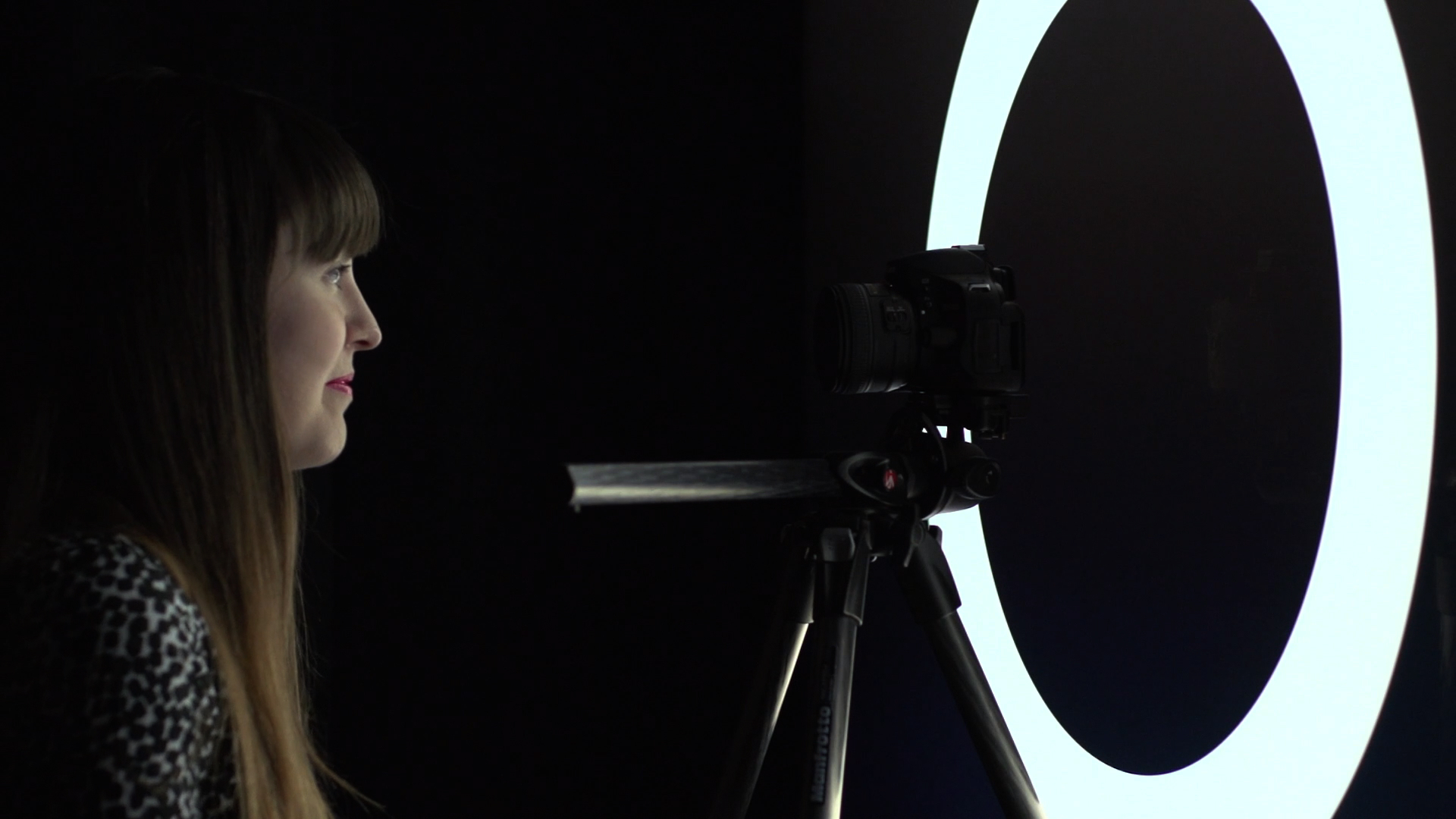 Video: Make your own ring light for portraits