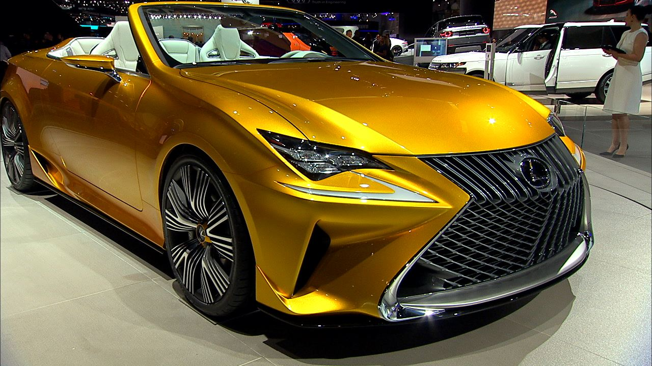 Video: Lexus rolls back the roof of the RC coupe