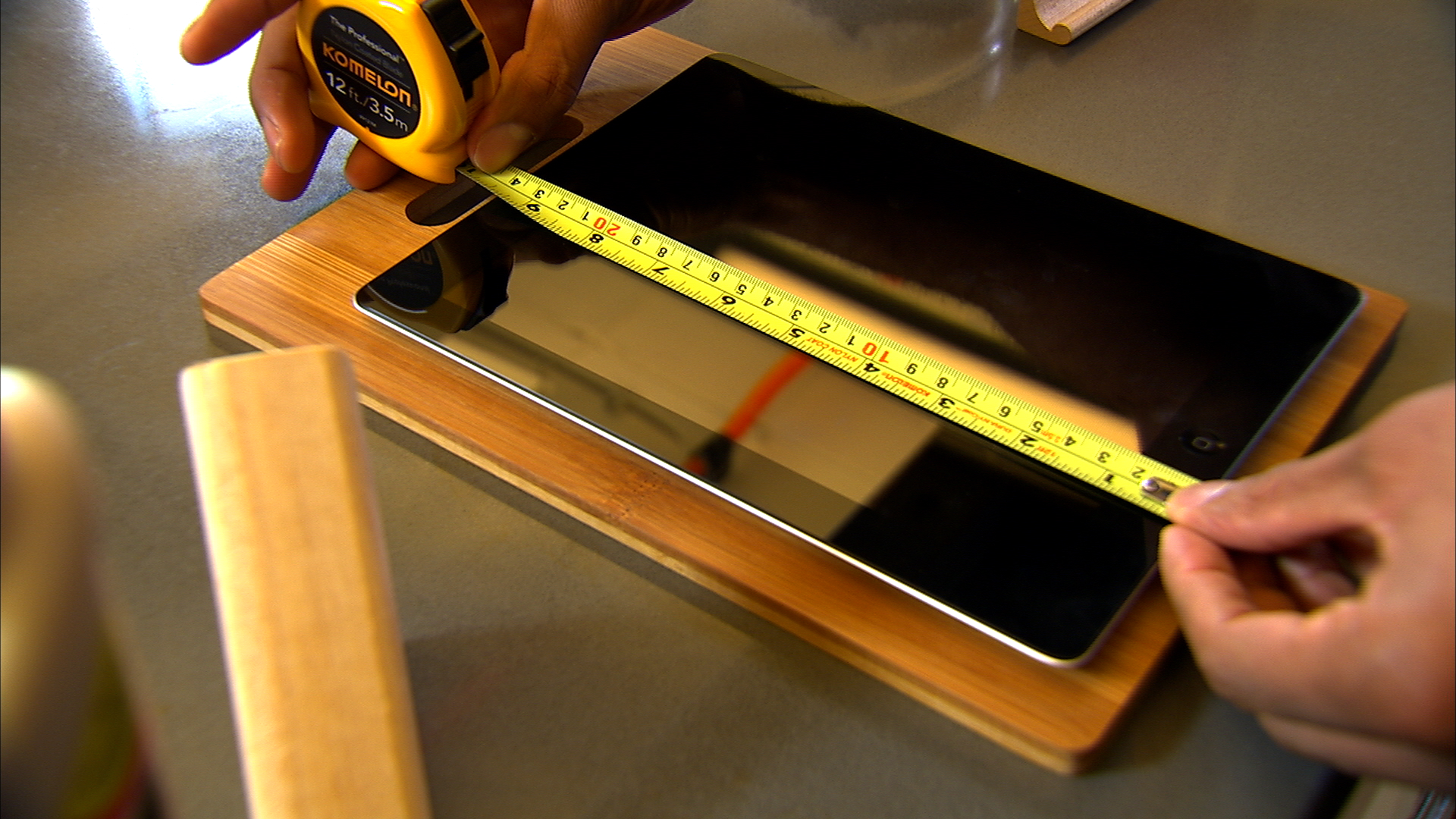 Video: DIY tablet stand for the kitchen