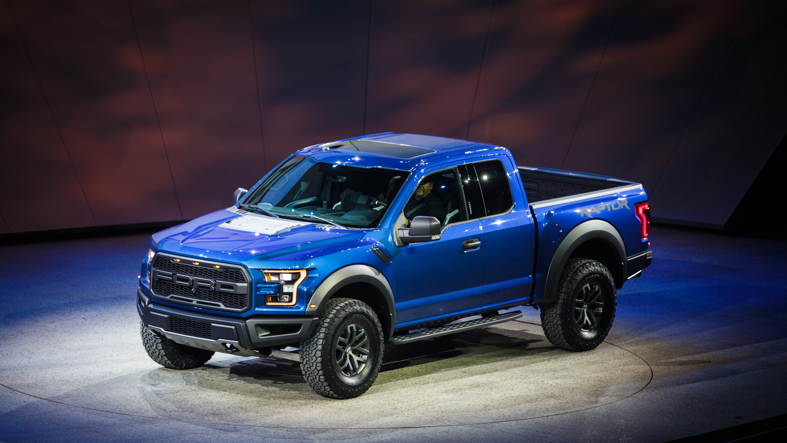 2016 Dodge Trucks >> 2016 Ford F-150 Raptor Release Date, Price and Specs ...