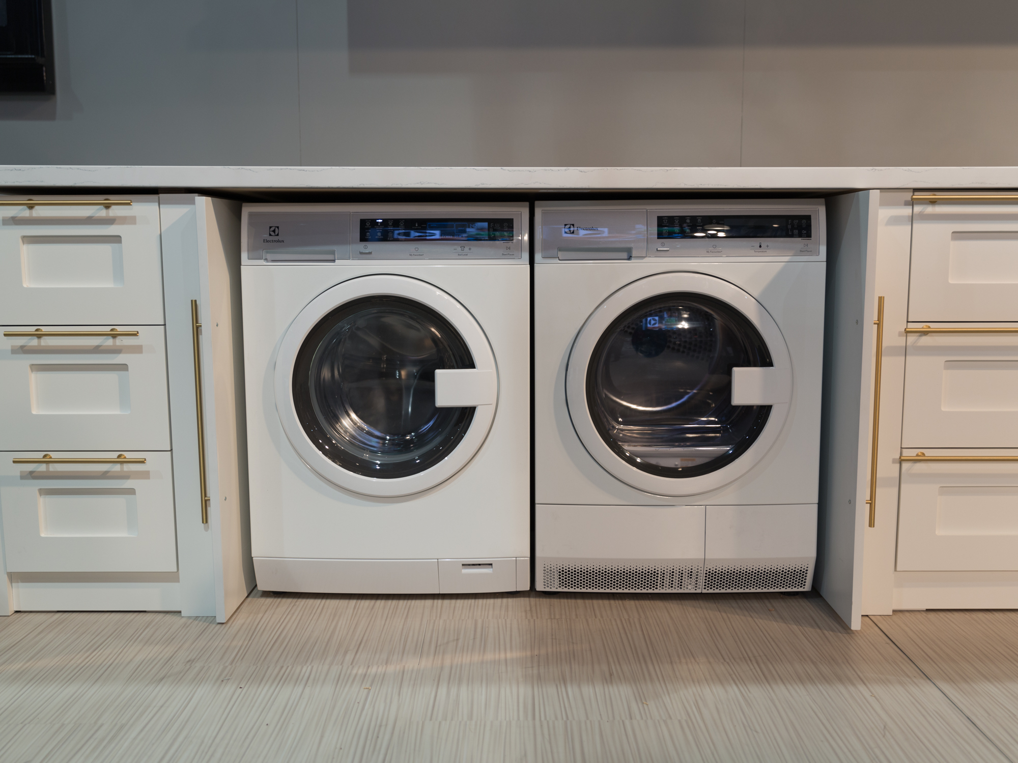 electrolux compact washer and dryer pair needs no vents cleans with
