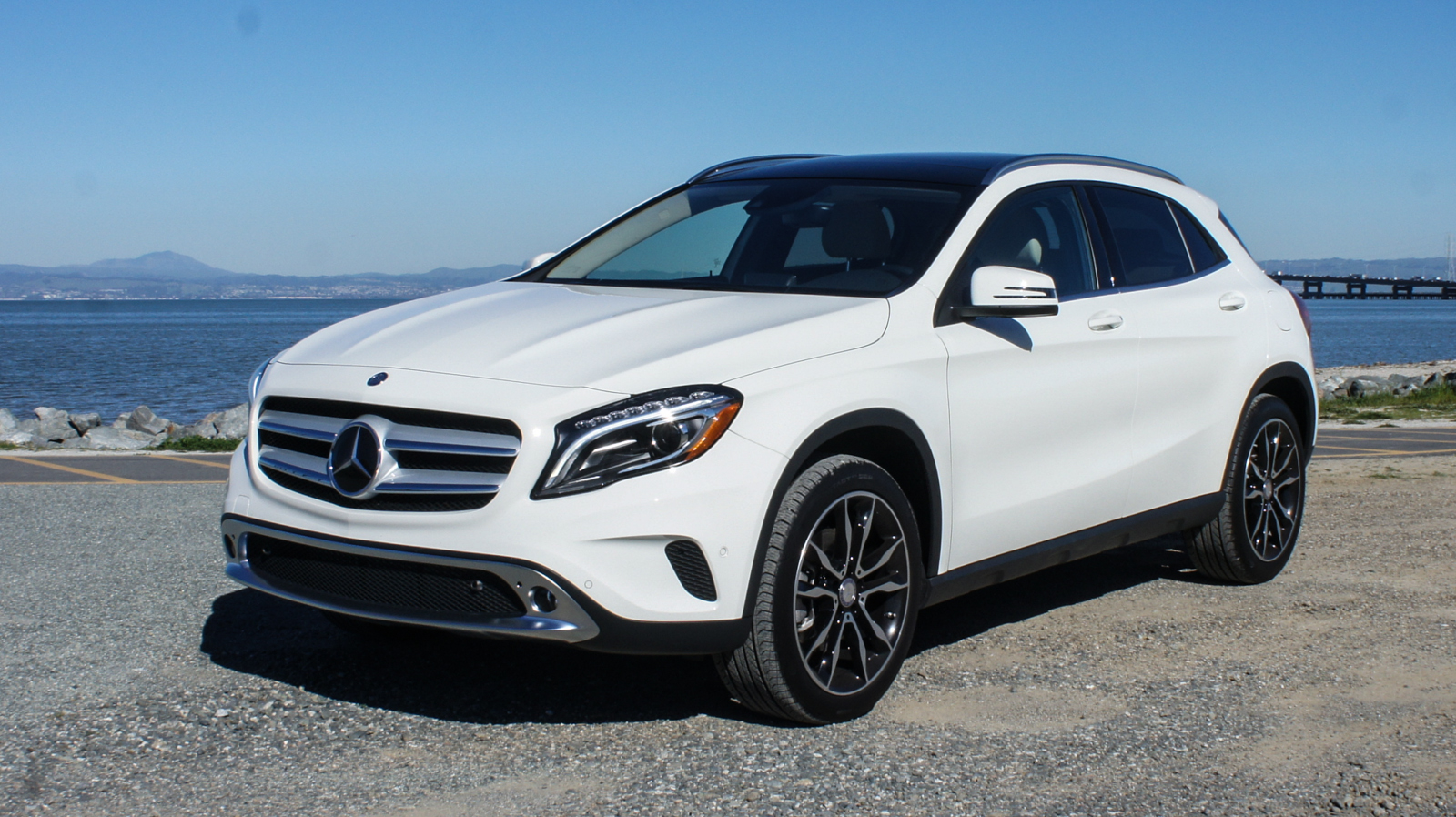 2015 Mercedes-Benz GLA250 review - Roadshow