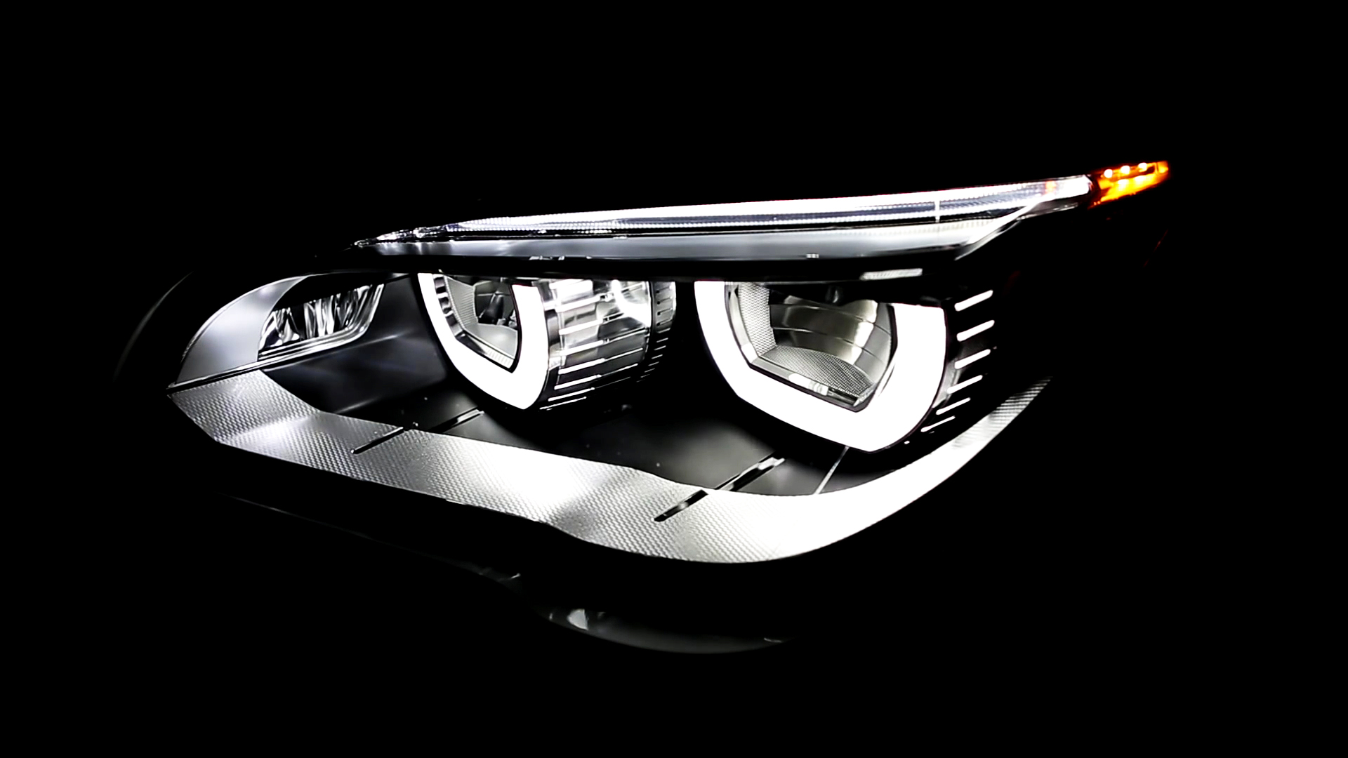 Video: Smarter driver: Adaptive headlights, irritation or innovation?