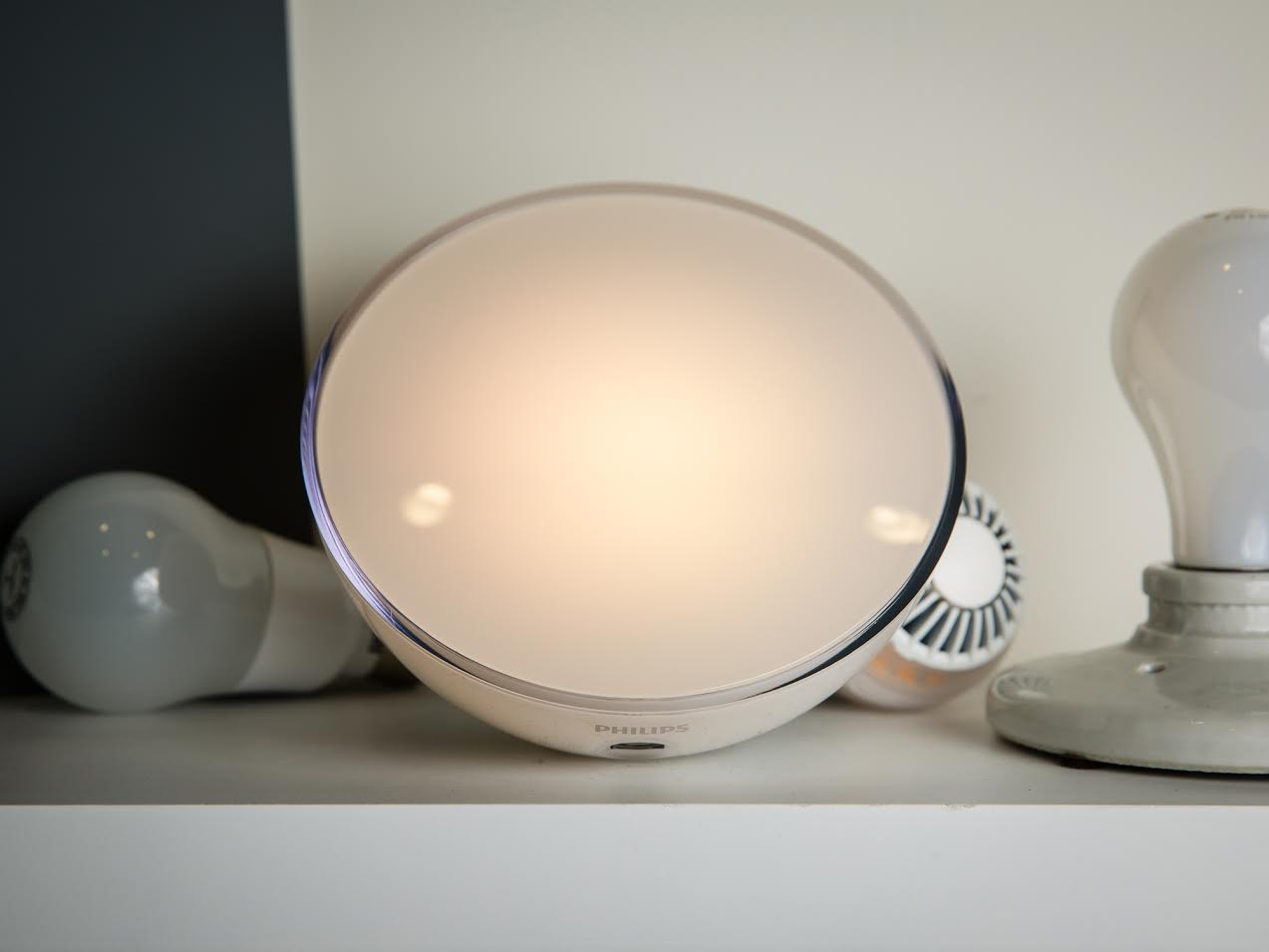 philips hue go puts smart lighting on the move. Black Bedroom Furniture Sets. Home Design Ideas