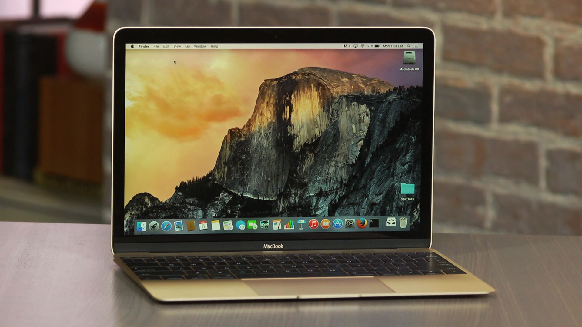 Video: Apple MacBook (12-inch, 2015)