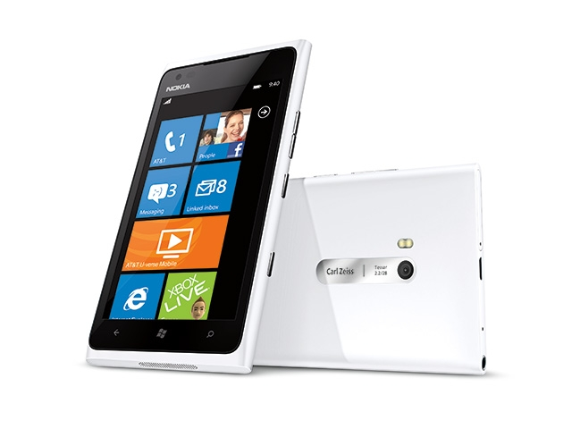 Nokia Lumia 820 (white)