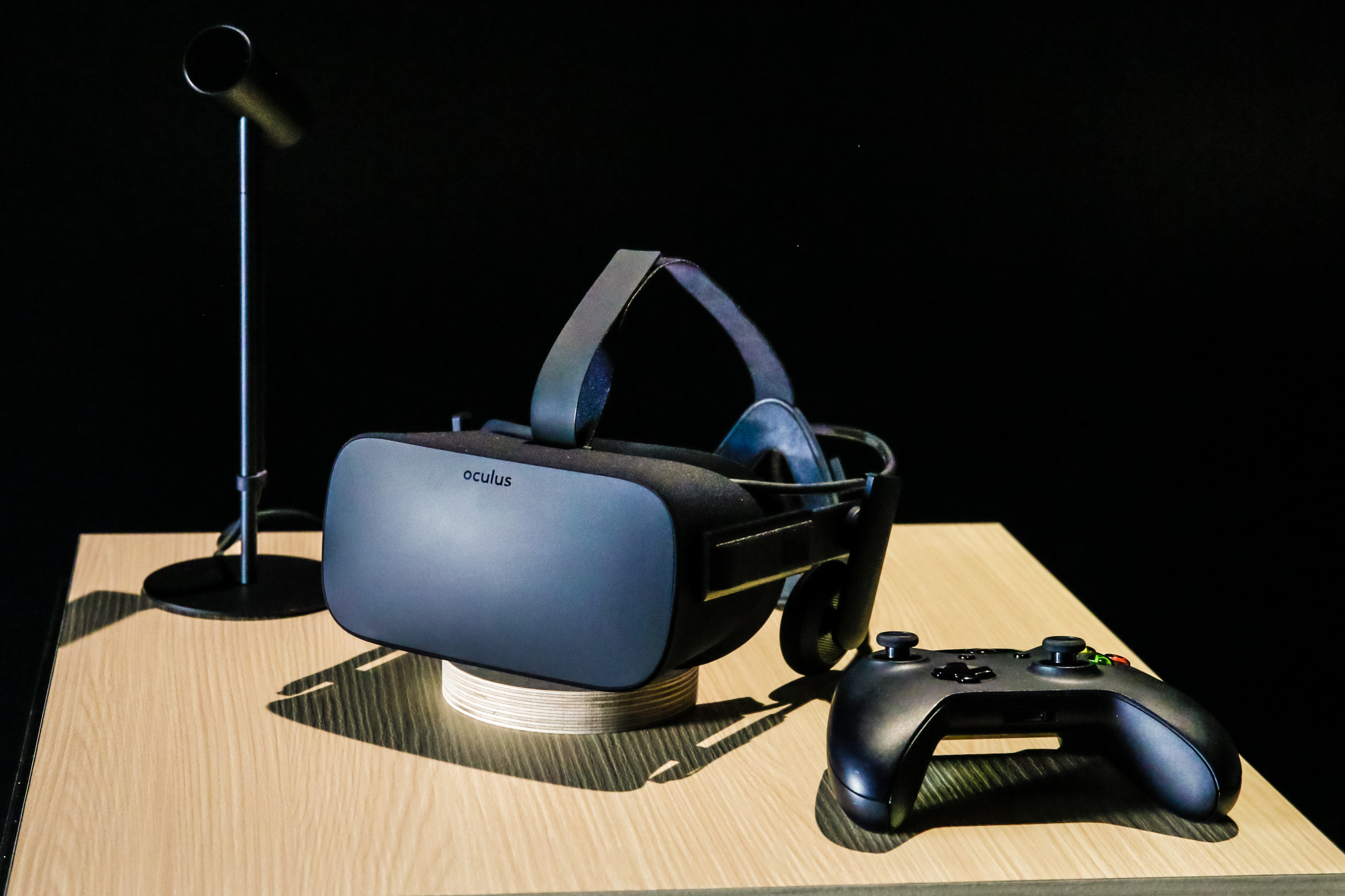 oculus-rift-oculus-touch-virtual-reality-8523.jpg