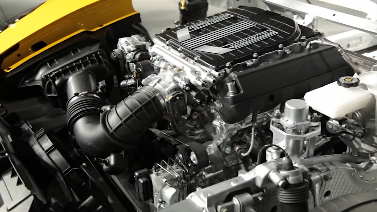 Video: Top 5: Fuel-efficient V8s