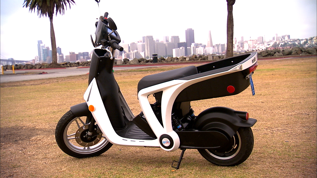Video: GenZe 2.0 e-scooter adds high-tech features to city and suburban transport