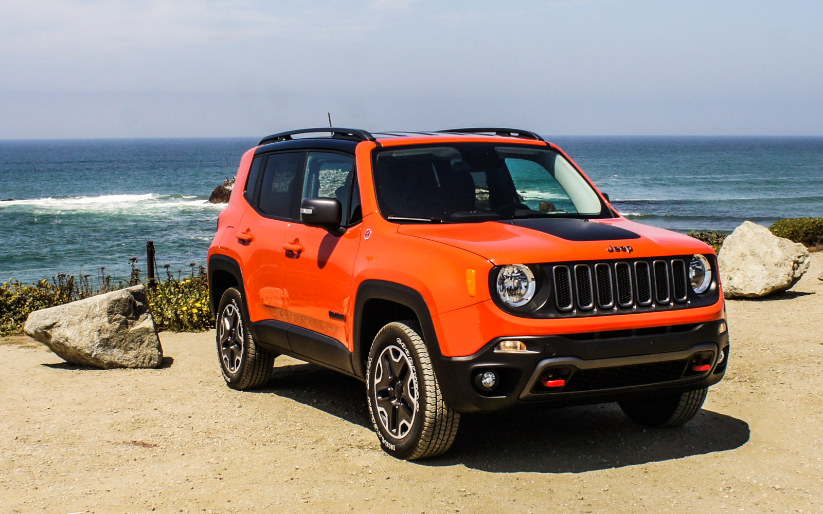 2015 jeep renegade review roadshow. Black Bedroom Furniture Sets. Home Design Ideas