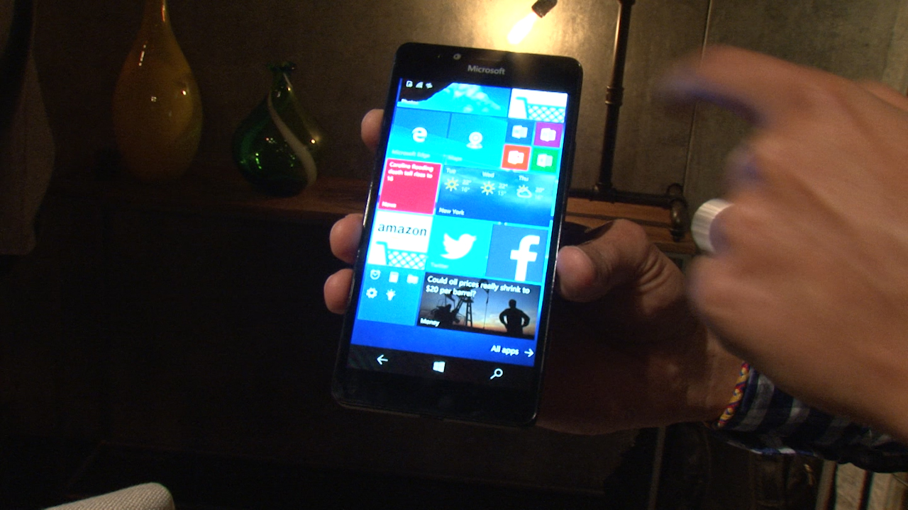 Video: El Lumia 950 viene repleto de buenas especificaciones y Windows 10