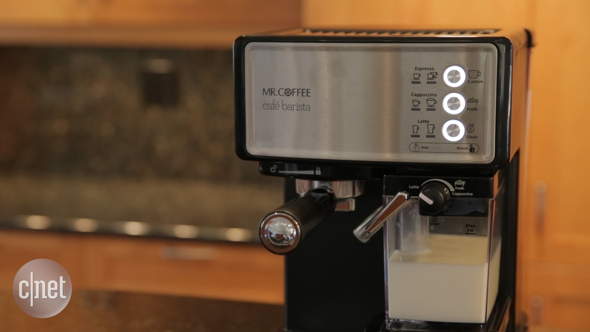 Video: This Mr. Coffee makes cafe drinks in robotic fashion