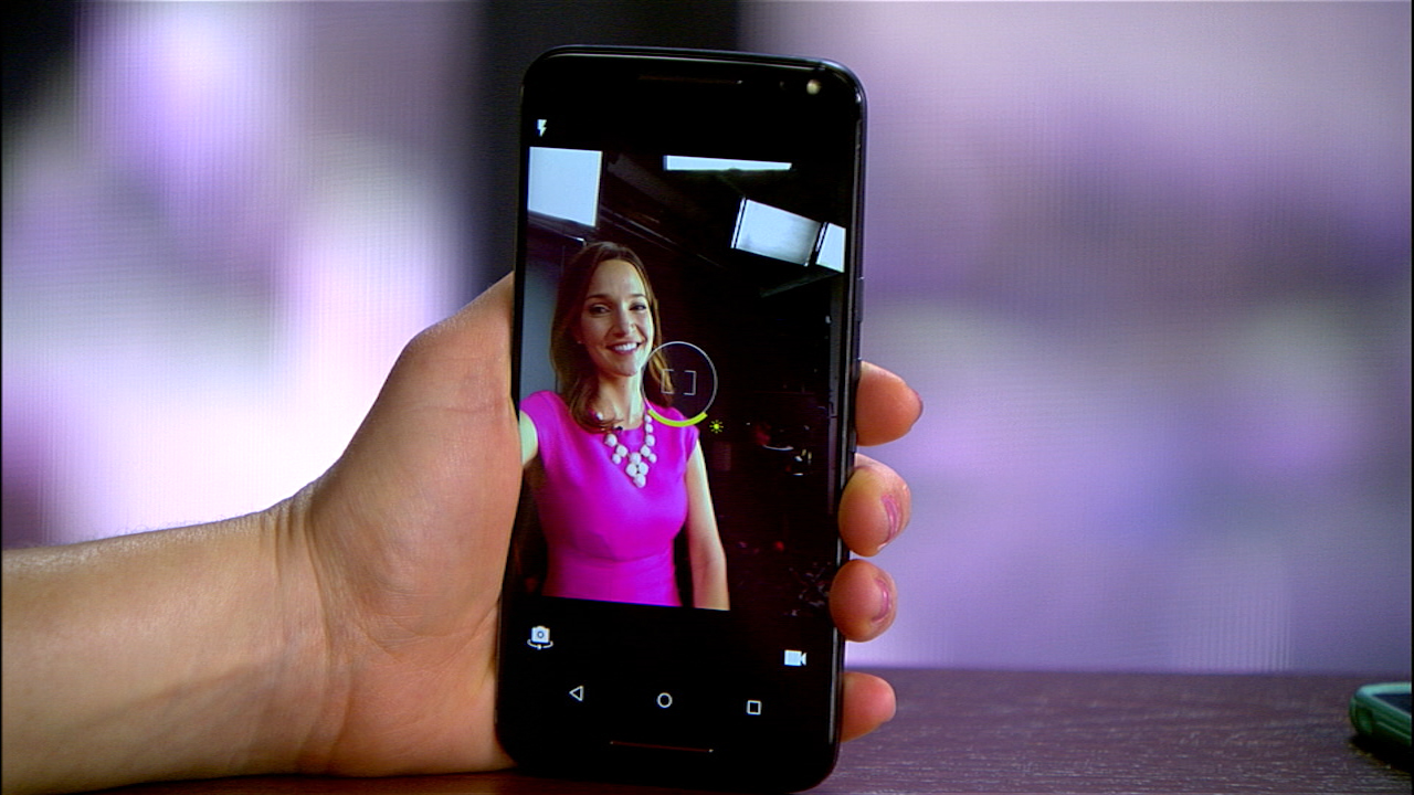 Video: iPhone 6S vs. Moto X: ¿Cuál toma mejores 'selfies'? [video]