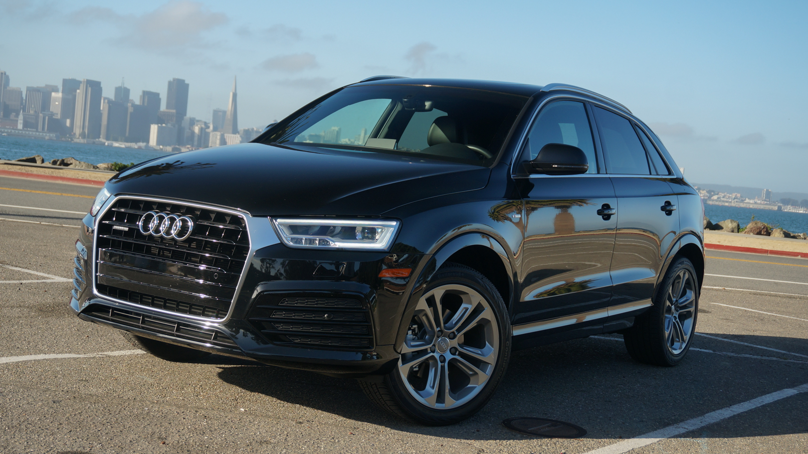 2016 audi q3 quattro review roadshow. Black Bedroom Furniture Sets. Home Design Ideas