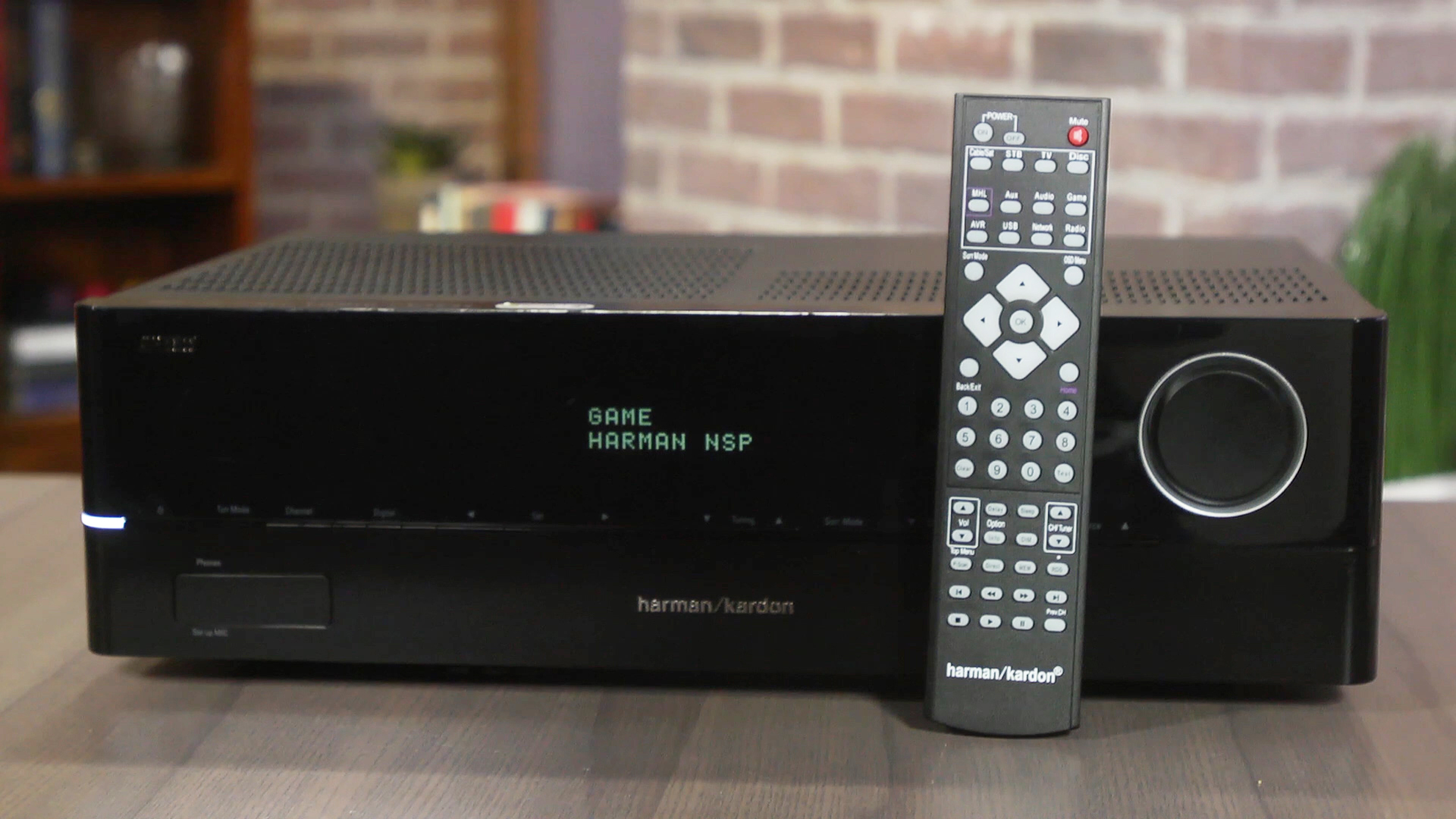 Video: Harman Kardon AVR 1610S offers sleek looks, decent sound