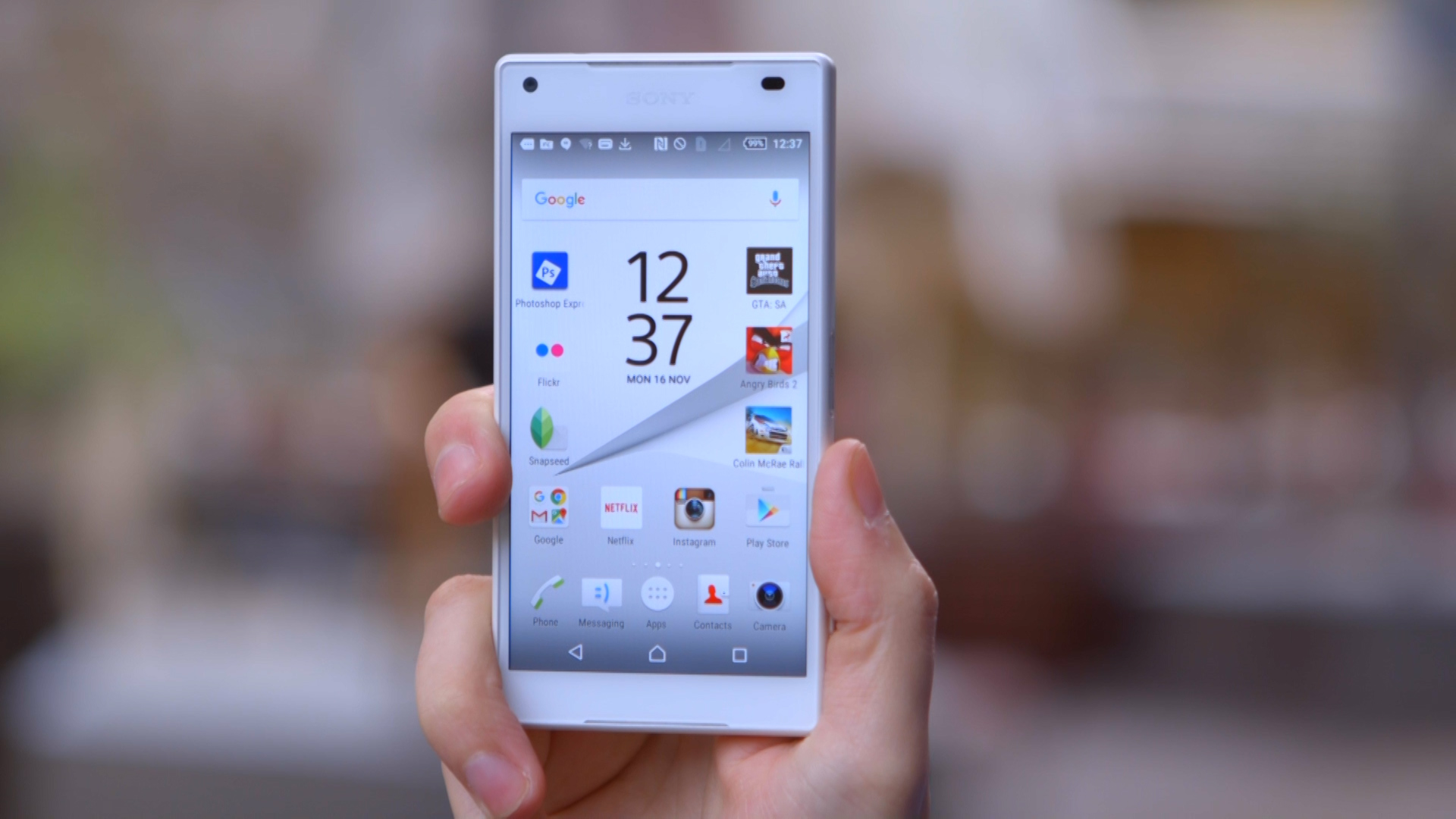 Video: Sony's Xperia Z5 Compact is one of the best mini phones around