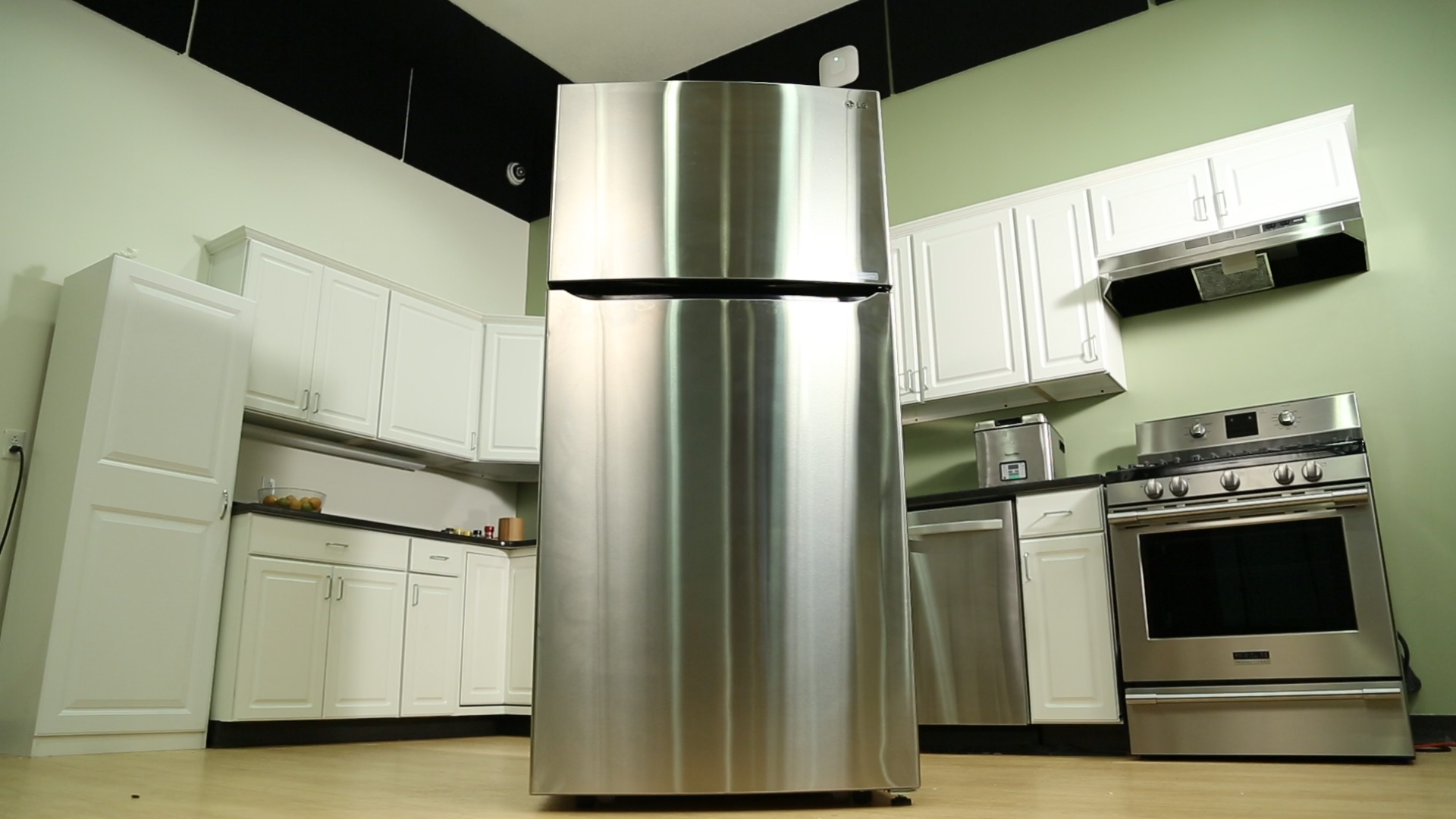 Video: This LG top freezer fridge is as big as they come